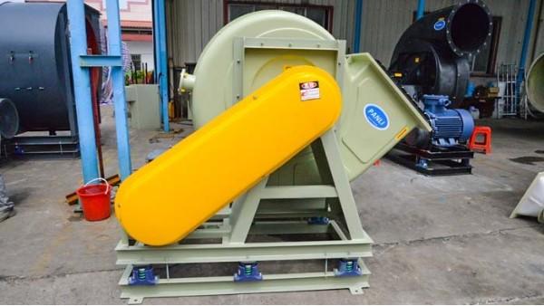 外壳和蜗舌在排气玻璃钢风机中发挥着重要作用