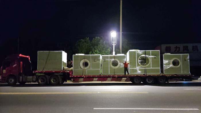 风机厂家:磐力五台消音玻璃钢风机箱发往山东生物除臭