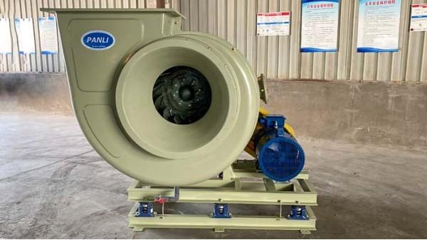 选购耐酸碱玻璃钢风机要用适合环境腐蚀气体