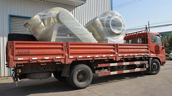风机厂家:磐力2台高压玻璃钢风机运往广东佛山项目