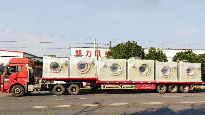 风机厂家:磐力风机六台隔音箱玻璃钢风机运往湖北武汉