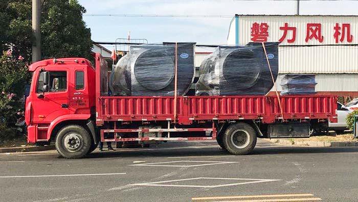 风机厂家:磐力风机四台防爆玻璃钢风机发往昆山化工厂