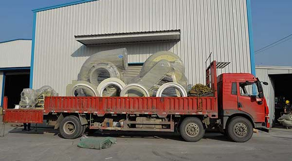 风机厂家:磐力高压玻璃钢风机运往江苏无锡处理废气